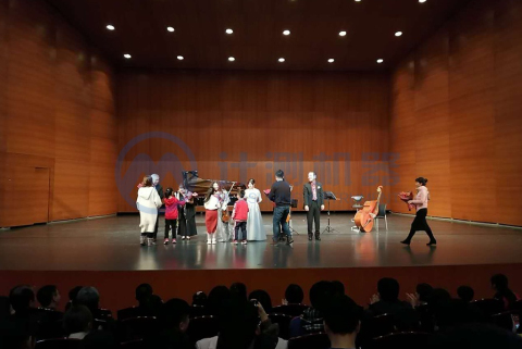 公司组织参加文化剧院宫崎骏作品音乐会